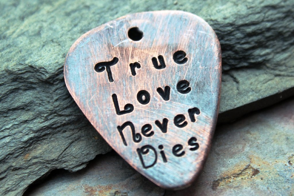 true-love-forever-neverdies