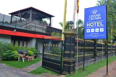 Grand Crown Hotel