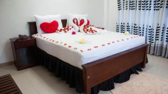 thilina_hotel_nuwara_eliya_couple_room