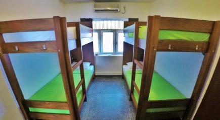 evergreen_bed_mixed_dormitory_room
