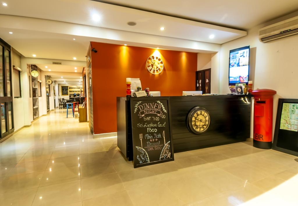 clock-inn-colombo-reception