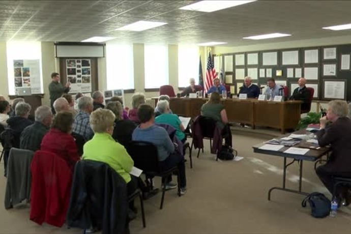Candidate forum held in Gladstone_9154030449314972808