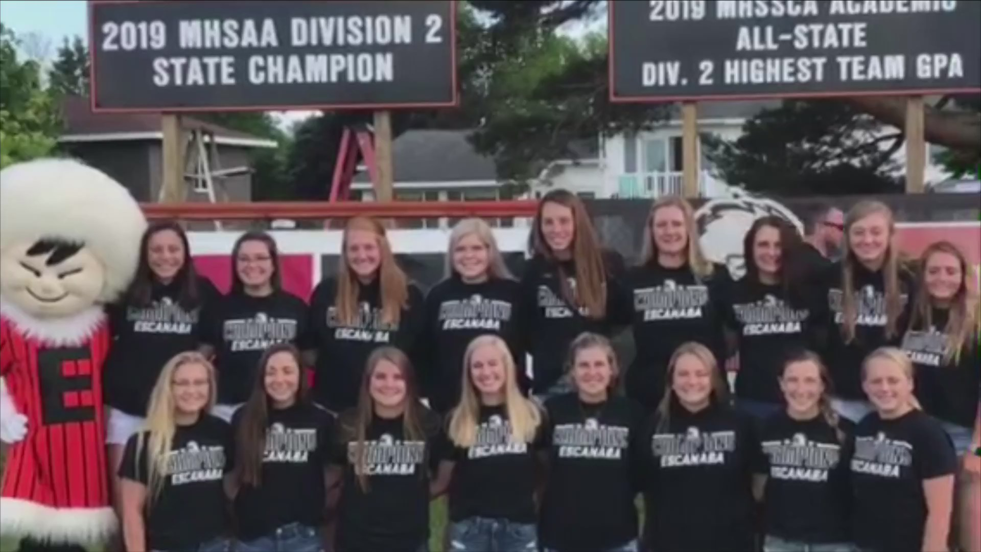 Escanaba Softball unveil 2019 championship & academic banners