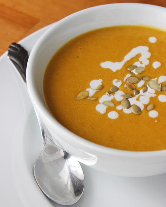 whole30 paleo pumpkin soup