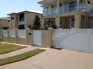 aluminium sliding gate logan
