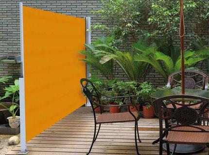 Sidomarkis för vindskydd eller insynsskydd för terrasser och uteplatser
