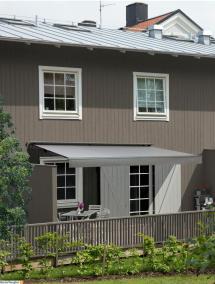 FA22 terrassmarkis på radhus