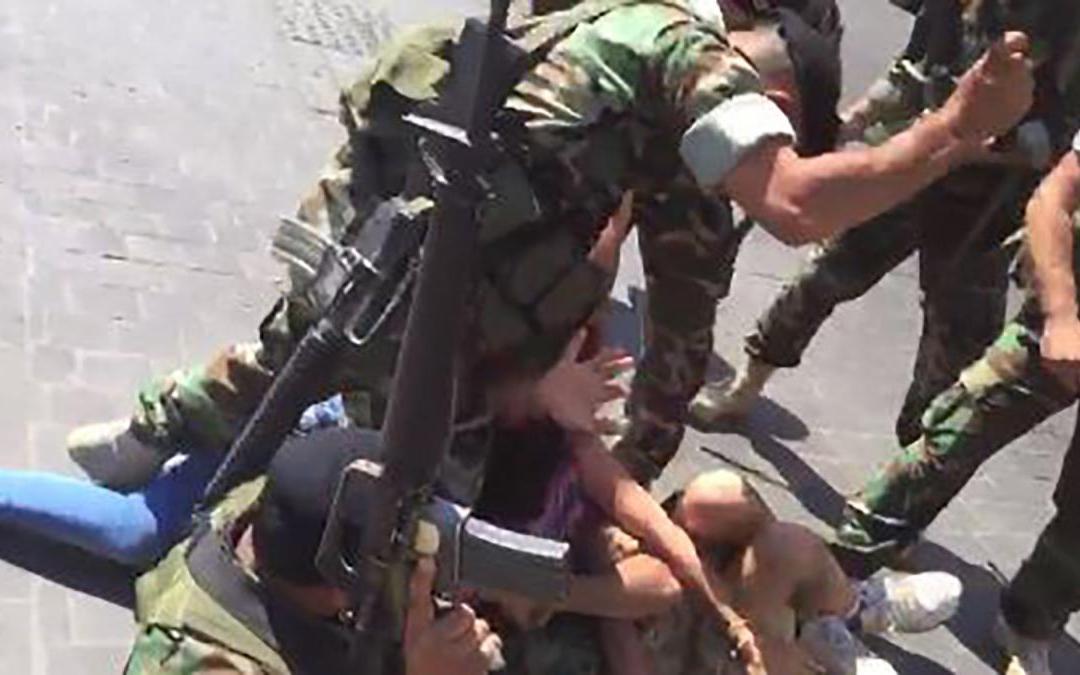 """""""هيومن رايتس ووتش"""" : على لبنان محاسبة العسكريين الذين ضربوا المحتجين"""