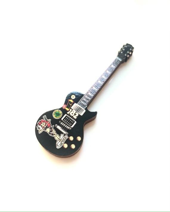 Tom Delonge LesPaul Guitar Pin