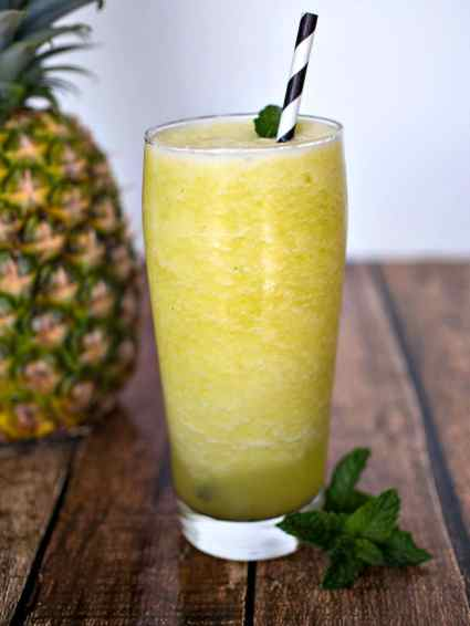 Pineapple Mint Smoothie - a refreshing summer treat