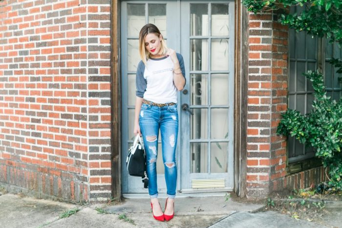 motherhood, t-shirt and jeans outfit