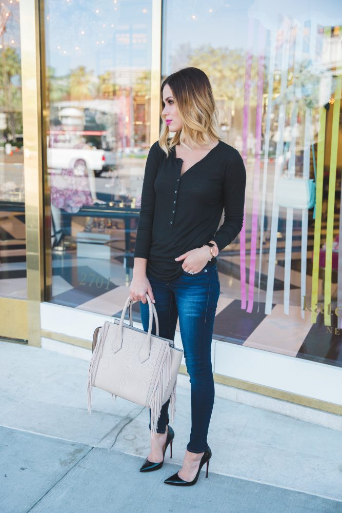 how to wear t-shirt and jeans closet staples