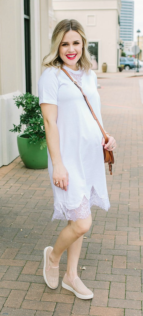 Maternity Style | Sneakers outfit | How to wear sneakers with a dress | Spring outfits | Uptown with Elly Brown