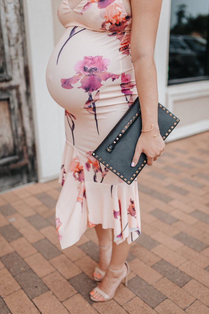 Wedding Outfits For the Expecting Mama by Houston fashion blogger Uptown with Elly Brown