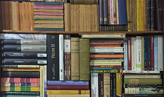 More than 100.000 books for sale this weekend - UQ News - The University of Queensland. Australia