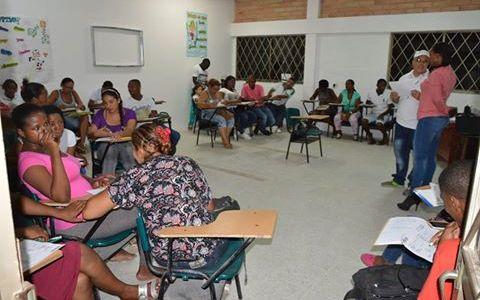 IMPORTANTE REUNIÓN CON DOCENTES QUE ORIENTARÁN LAS CLASES DE ALFABETIZACIÓN PARA MÁS DE 1600 PERSONAS ADULTAS