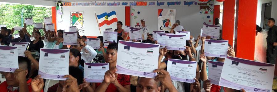 Graduados 1300 estudiantes de Carepa