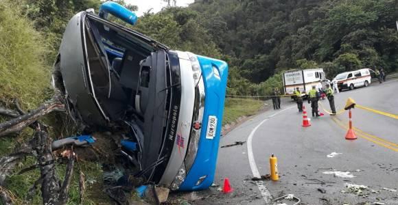 5 muertos y 34 heridos en accidente de bus en Santa Fe de Antioquia