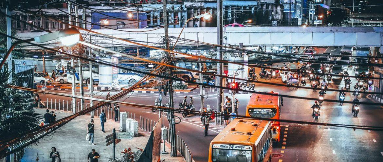 Ylimääräiset lennot pannassa – Bussilla Thaimaassa