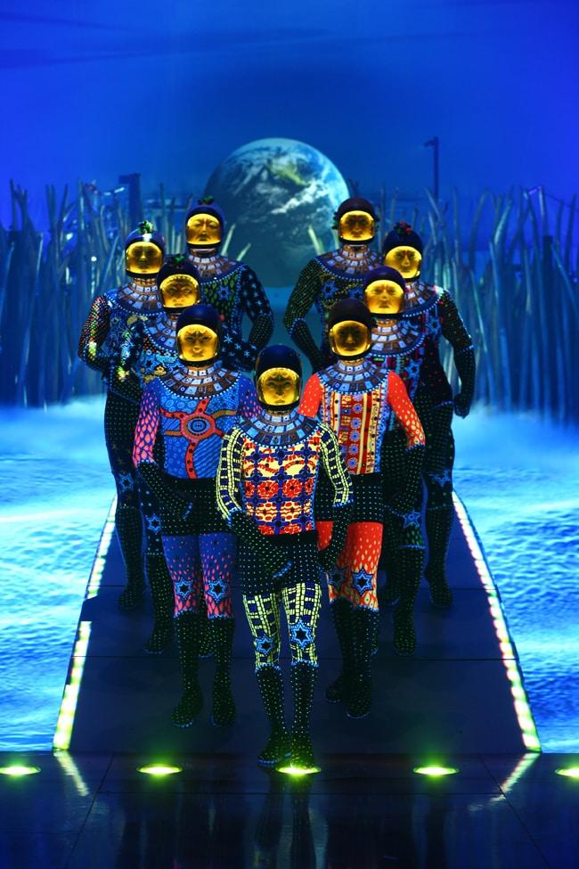Cirque du Soleil Totem russian bars