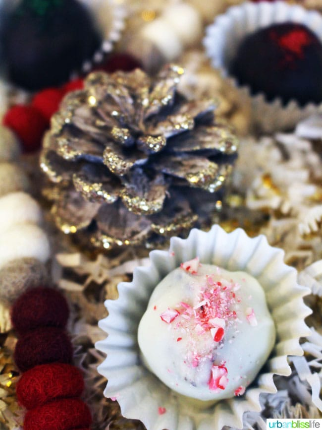 Peppermint Oreo Truffles on UrbanBlissLife.com