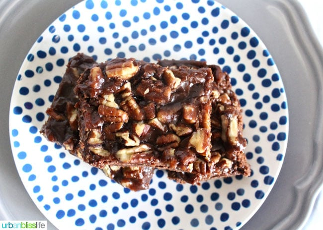 salted chocolate caramel bars #OXOGoodCookies, recipe on UrbanBlissLife.com