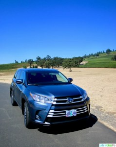 2017 Toyota Highlander Hybrid on UrbanBlissLife.com