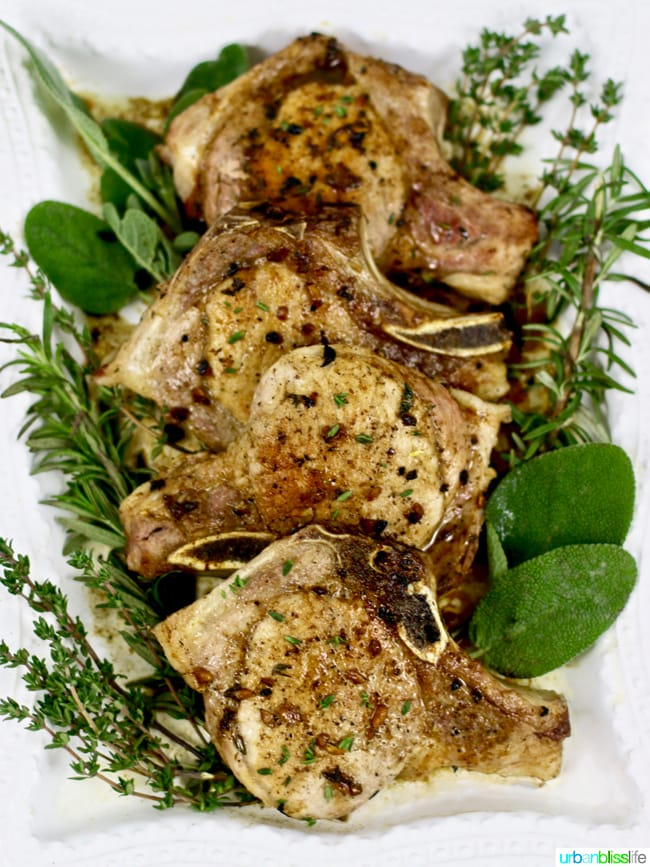 Easy weeknight meal: Cider-glazed pork chops recipe on UrbanBlissLife.com