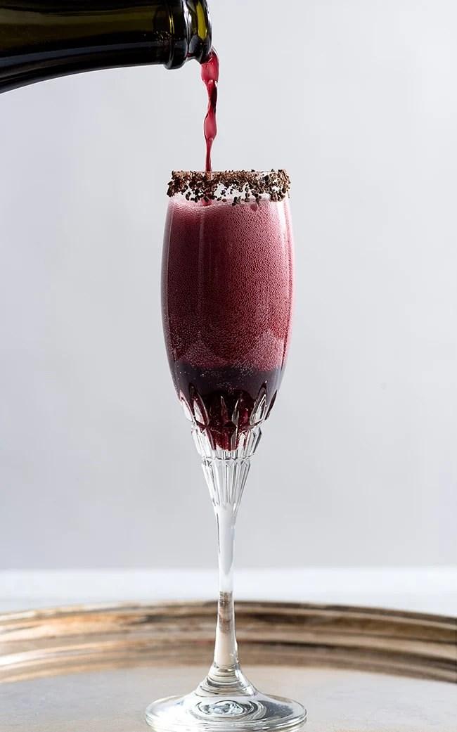 Sparkling Shiraz Cocktail 20 Festive Winter Party Cocktails on UrbanBlissLife.com