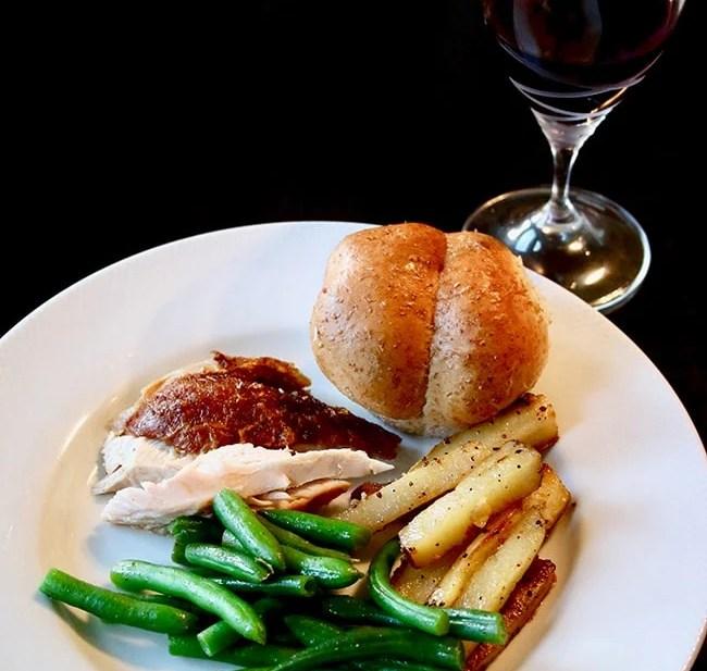 Holidays in the Heartland: Thanksgiving Dinner in Kansas on UrbanBlissLife.com