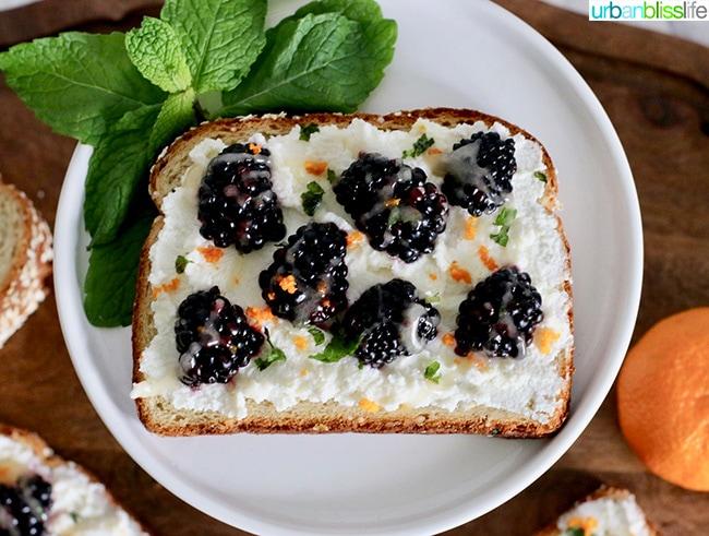 Blackberry Ricotta Citrus Toast with Honey and Mint, recipe on UrbanBlissLife.com
