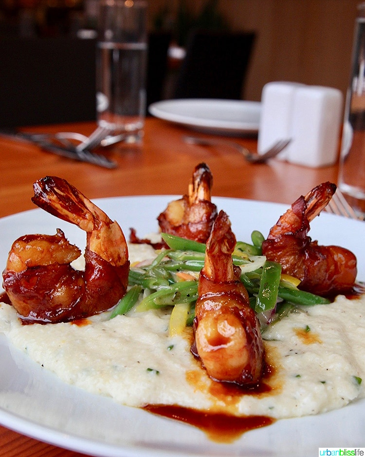 Bacon wrapped prawns dish