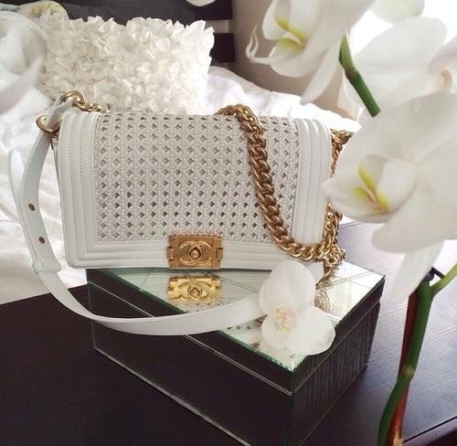chanel-handbag-urban-blonde