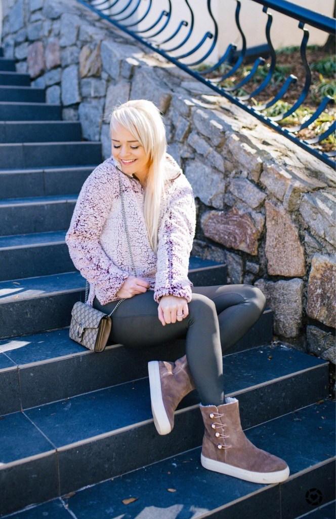 My-Cozy-Wardrobe-Must-Haves-Nordstrom-fleece-pullover-urban-blonde-blog-winter-style