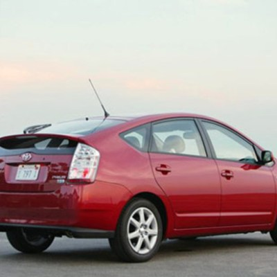 Toyota Prius Reviewed by The Urban Conversion