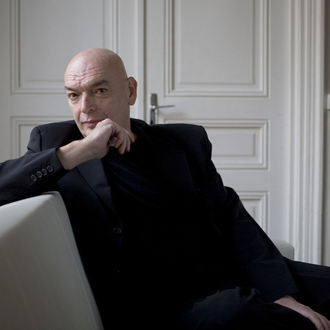 Portrait de Jean Nouvel, le célèbre architecte et prix Pritzker 2008.