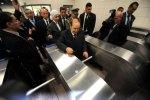Le président algérien Abdelaziz Bouteflika lors de l'inauguration officielle du métro d'Alger le 31 octobre 2011