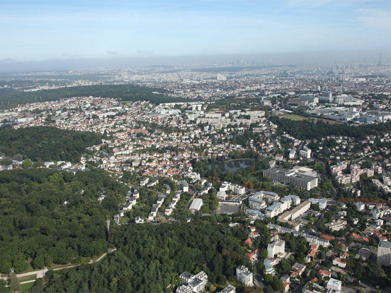 Vue Aérienne du site et de la commune du Plessis-Robinson.