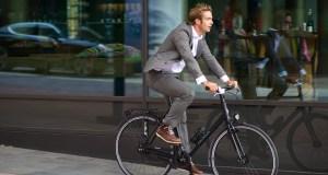En 2015, ils ne seraient que 2% des travailleurs à s'être rendus au travail à bicyclette, selon une étude publiée ce mardi par l'Institut national de la statistique et des études économiques (INSEE).