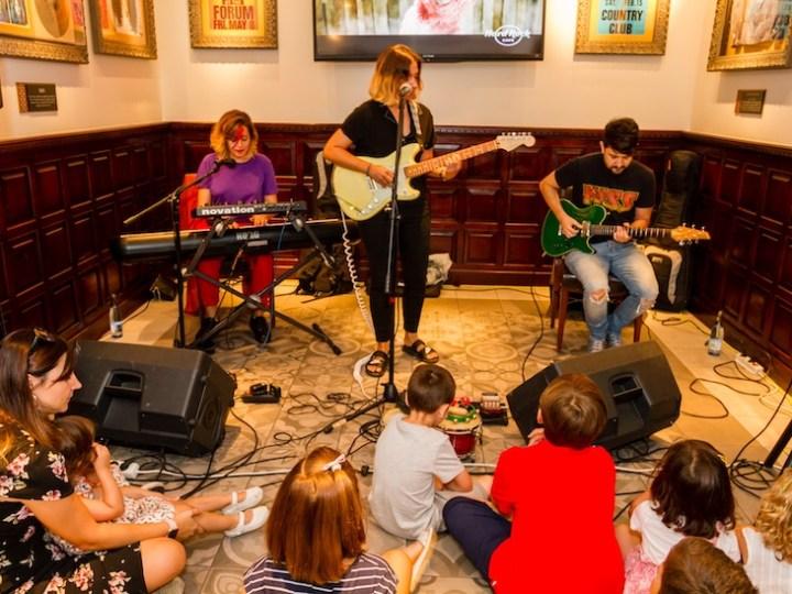 Concierto infantil tributo a Amy Winehouse en Hard Rock Cafe Sevilla