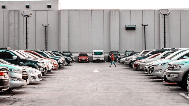 Dónde aparcar durante tu visita a Sevilla