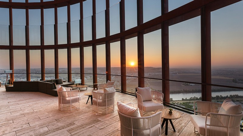 La terraza Atalaya Torre Sevilla refuerza su propuesta cultural y de ocio