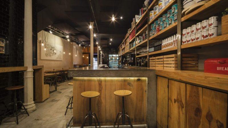 Ovejas Negras Tapas vuelve a abrir su cocina en el centro de Sevilla