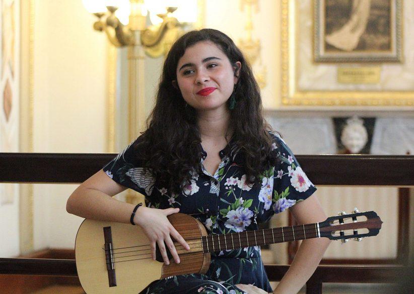 La mexicana Silvana Estrada cierra en julio el ciclo Momentos Alhambra de Sevilla