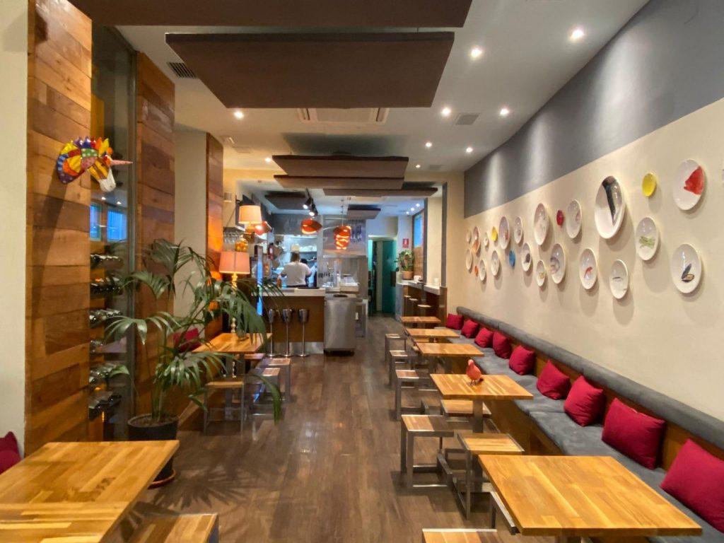 Café Capital abre para revitalizar la calle Mateos Gago con sus dulces y salados