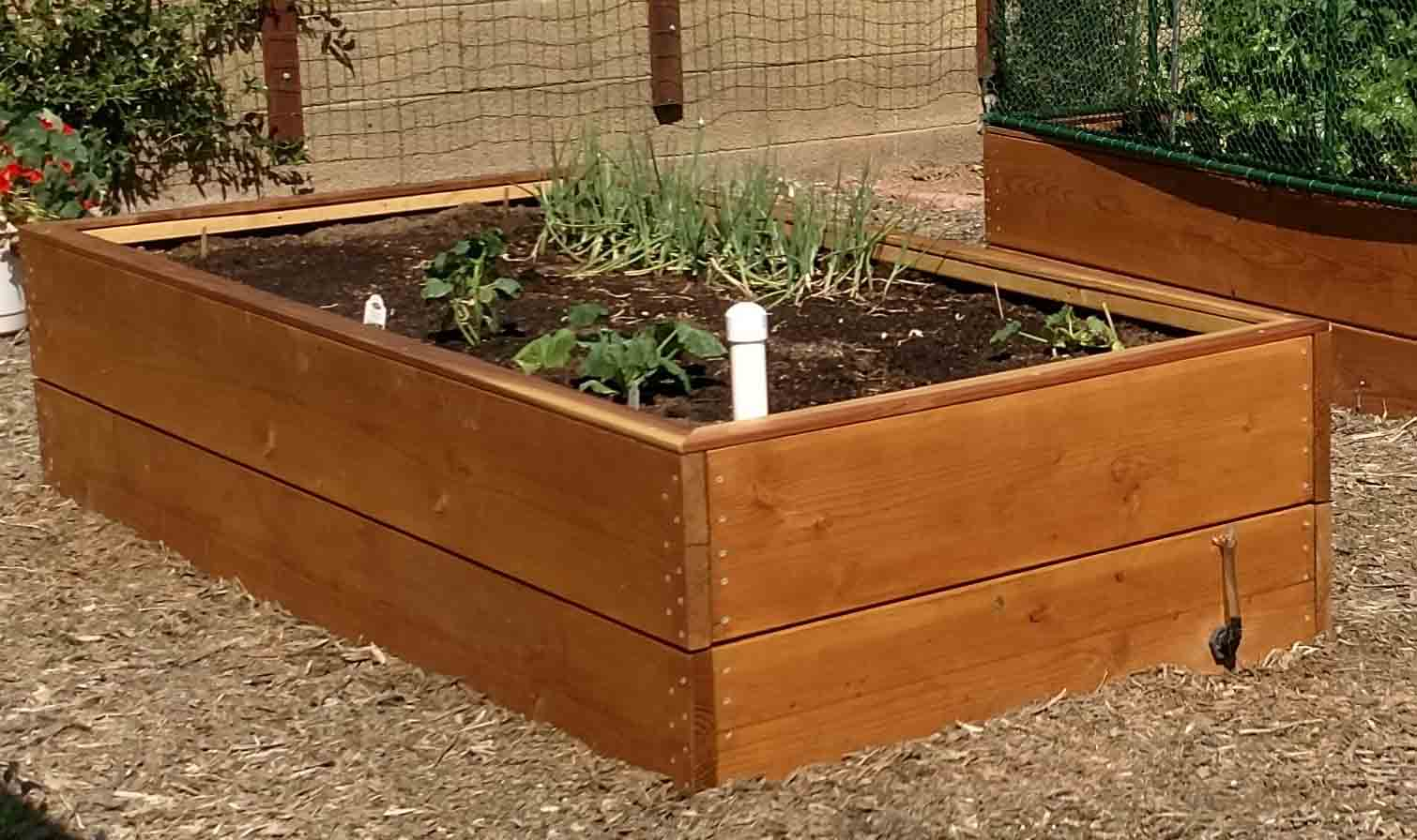 building my wicking garden