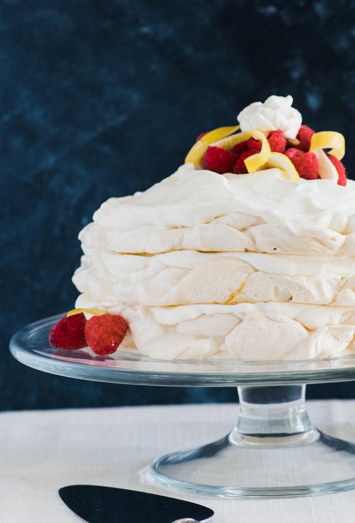 Meringue cake with lemon curd cream
