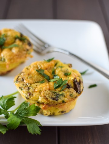 Mini egg muffins with turkey sausage and mushrooms