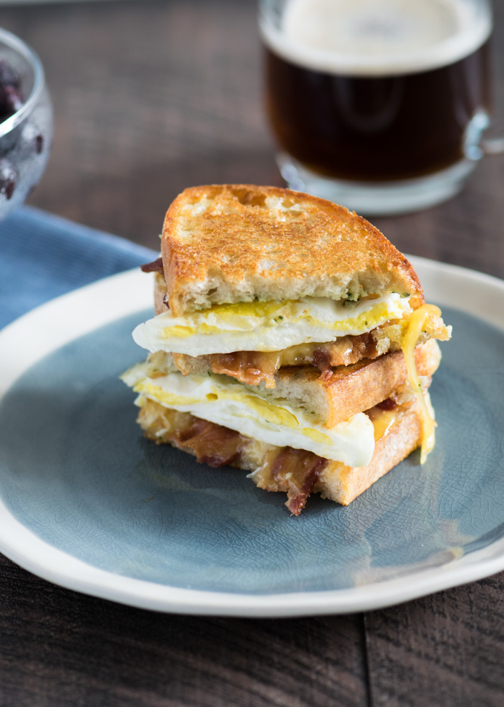 Toasted Pesto Egg Breakfast Sandwich