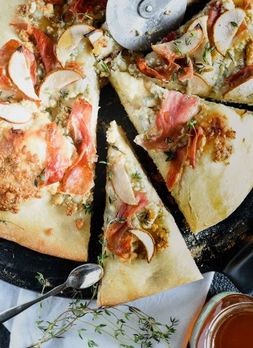 Grilled prosciutto & pear pizza has the perfect crisp crust